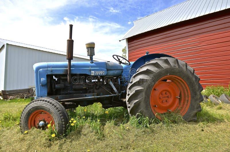 старый трактор Fordson стоковая фотография