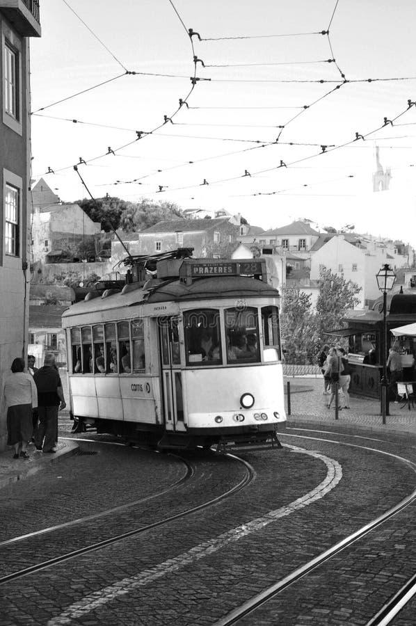 Старый трамвай на улицах стоковая фотография rf