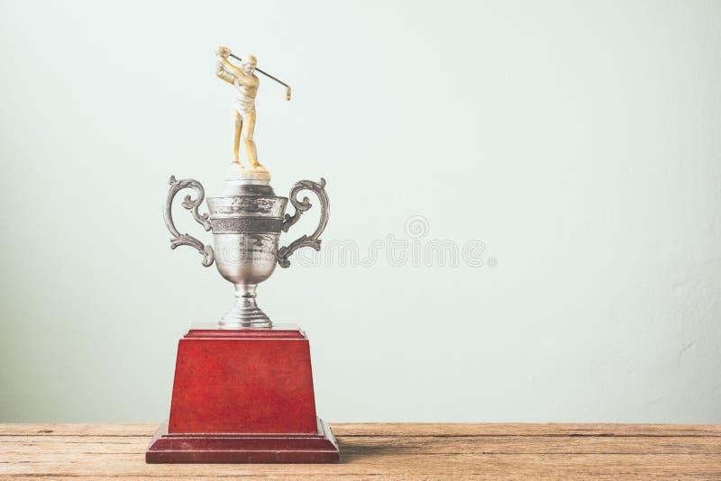 Старый трофей гольфа стоковые изображения