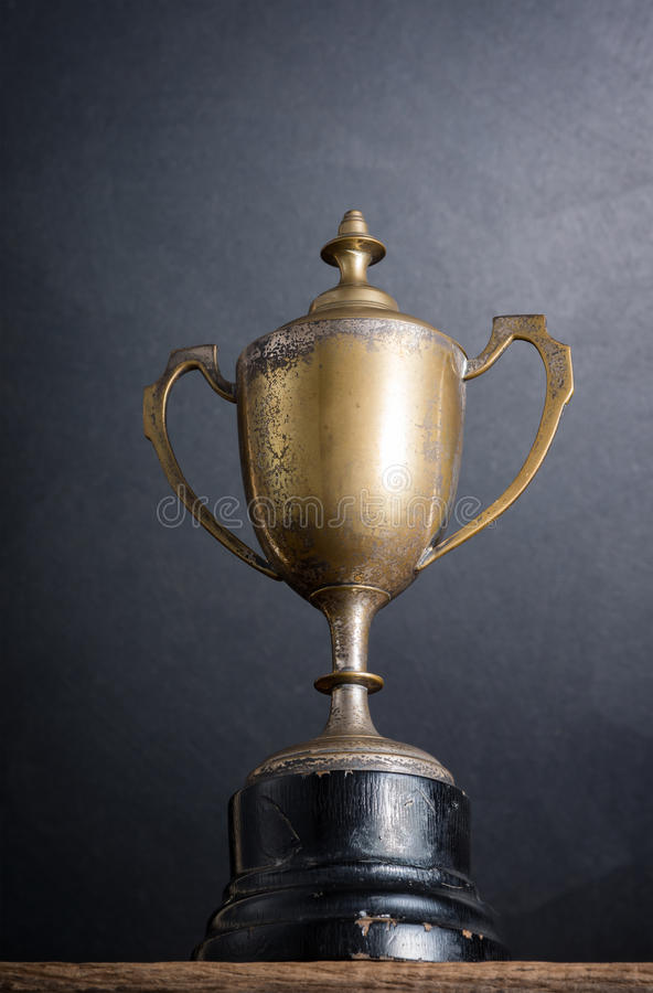 Старый трофей стоковая фотография