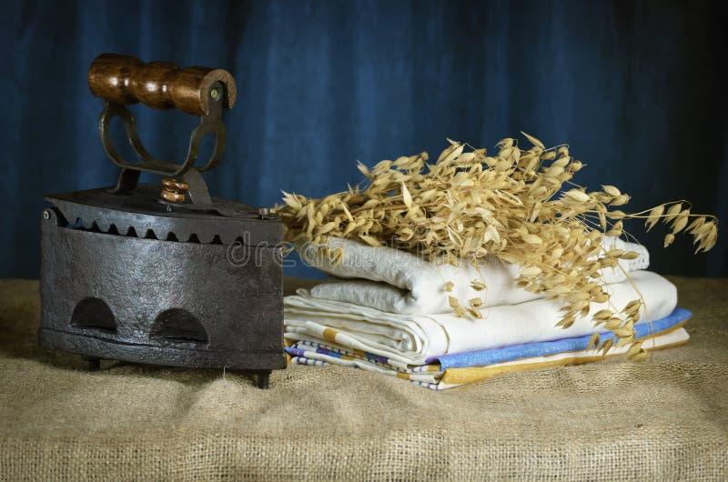 Старый утюг стоковая фотография rf