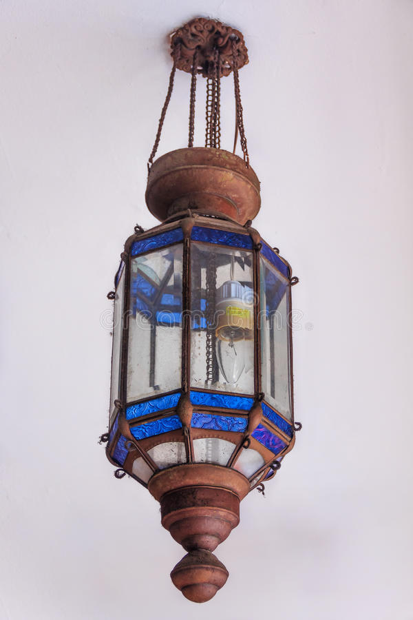 Старый уличный фонарь стоковая фотография