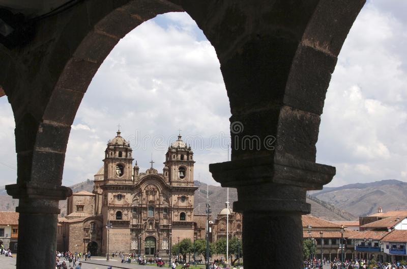 Старый фасад католической церкви в Cuzco Перу стоковая фотография rf