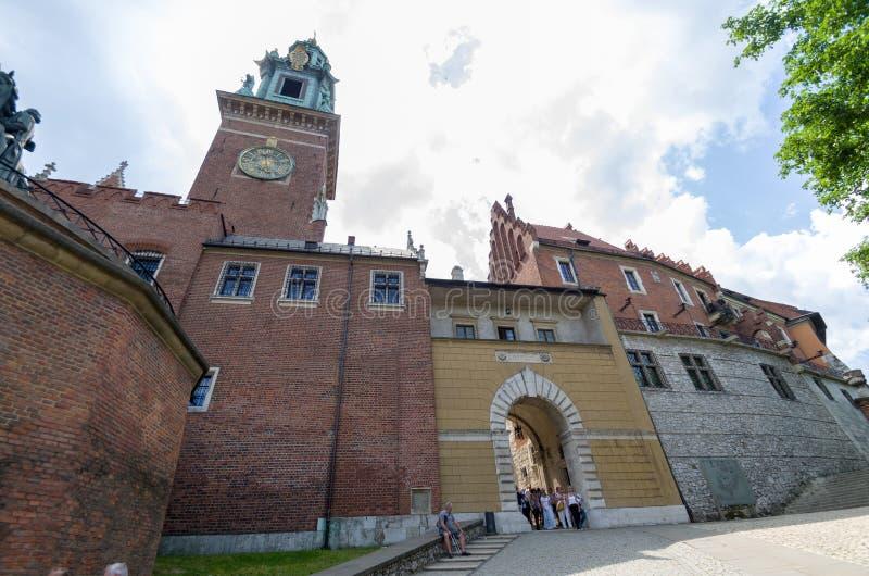 Старый фасад строя города замка Wawel Краков Польши стоковое изображение
