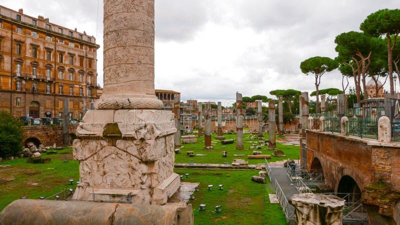 Download Старый форум Trajan в Риме стоковое изображение. изображение насчитывающей движение - 81808059