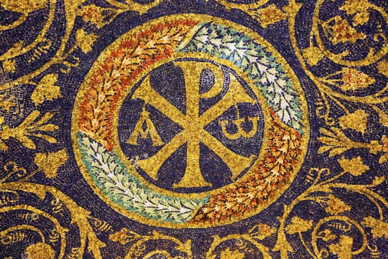 Старый христианский символ в мавзолее Galla Placidia Равенны стоковое изображение rf
