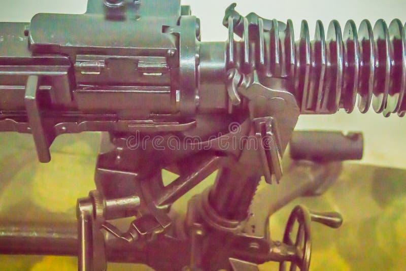 Старый японский светлый пулемет 7 7 mm в общественном музее Светлый пулемет пулемет конструированный быть использованным indiv стоковые фото
