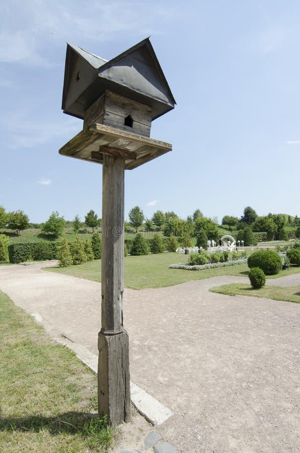 Старый birdhouse стоковые фотографии rf