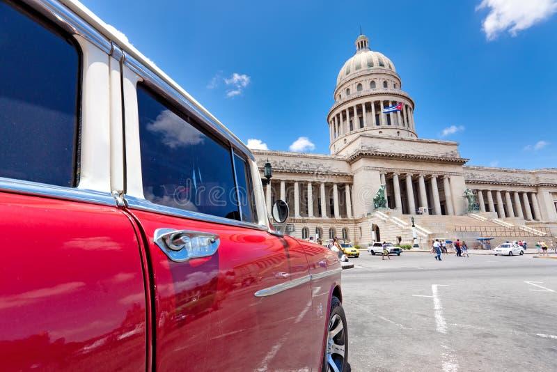 Старый Chevrolet в Гавана стоковая фотография