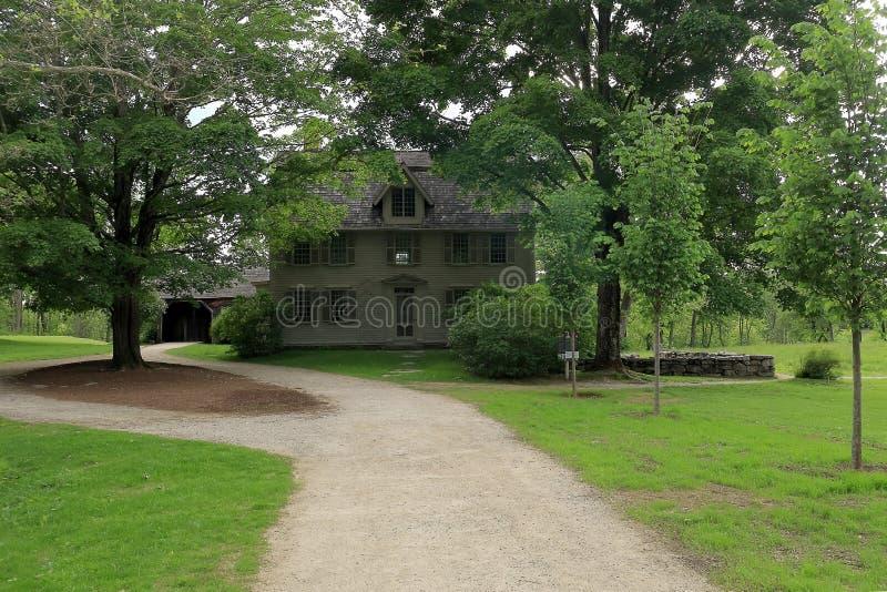 Старый Manse в парке в согласии, Массачусетсе человека минуты национальном историческом стоковое изображение