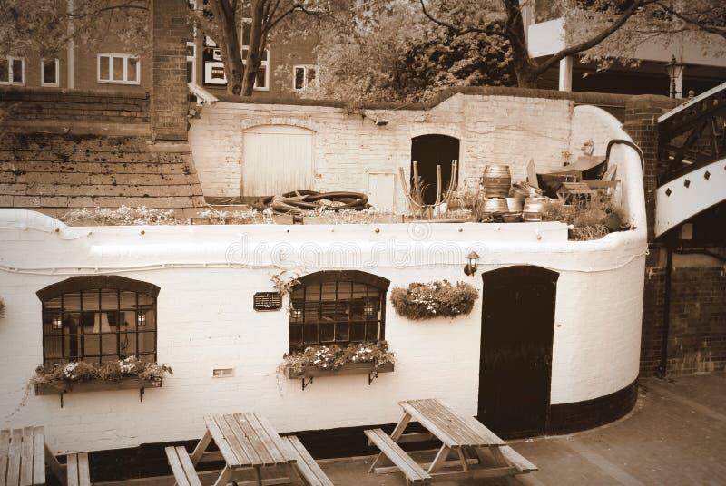 старый pub стоковое изображение rf
