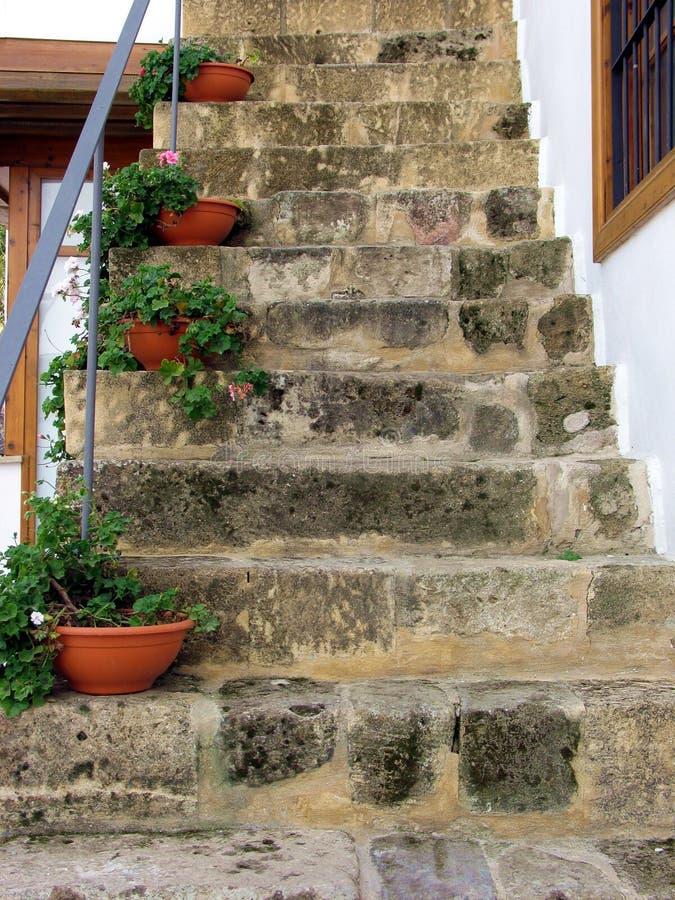 Download старый stairway стоковое изображение. изображение насчитывающей nicosia - 84609