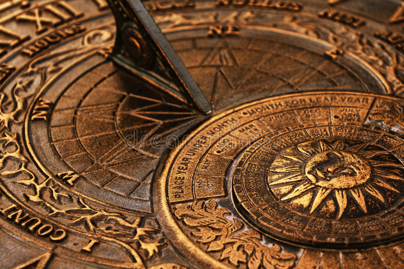старый sundial стоковые фото