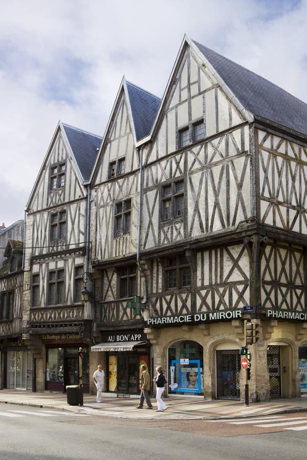 3 старых полу-timbered дома в Дижоне, Франции стоковая фотография
