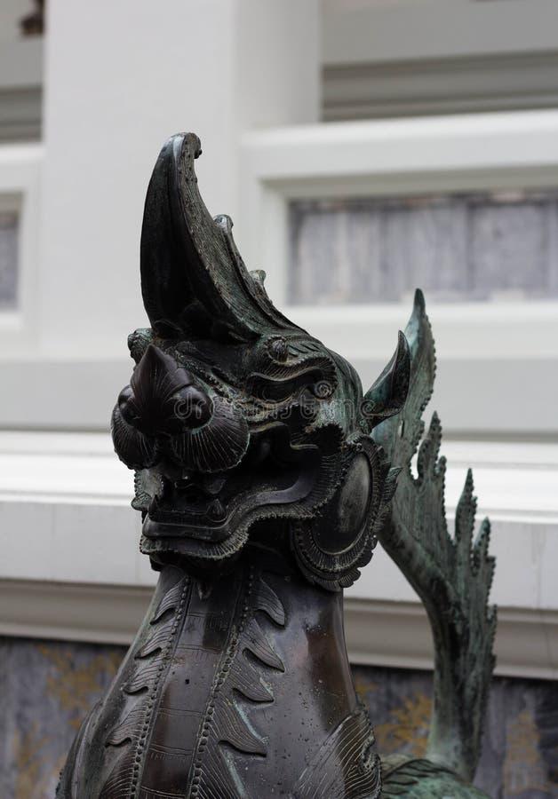 Статуи в буддийском виске Wat Pho Бангкоке Таиланде стоковые изображения