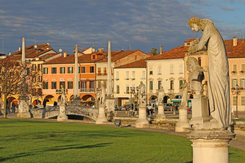 Статуи в della Valle Padova Prato стоковое фото rf