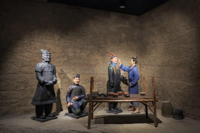 Статуи глины в музее figurines глины стоковые фото