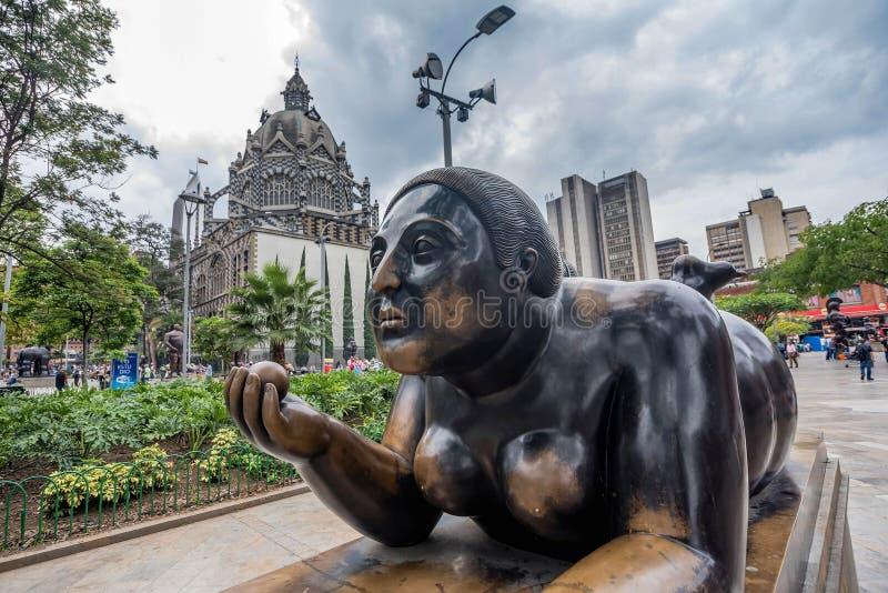 Статуи на отделе Antioquia, Medellin около музея Botero стоковые изображения rf