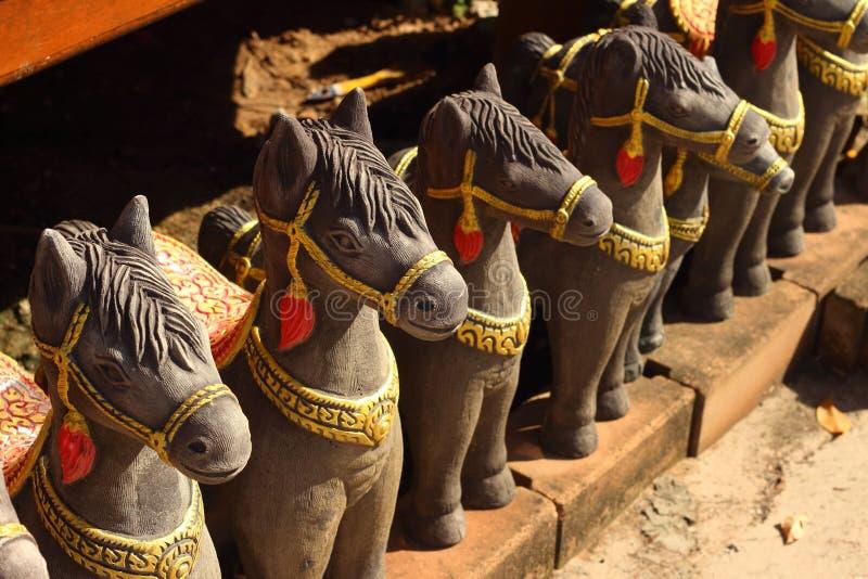Статуи лошадей в парке стоковая фотография rf