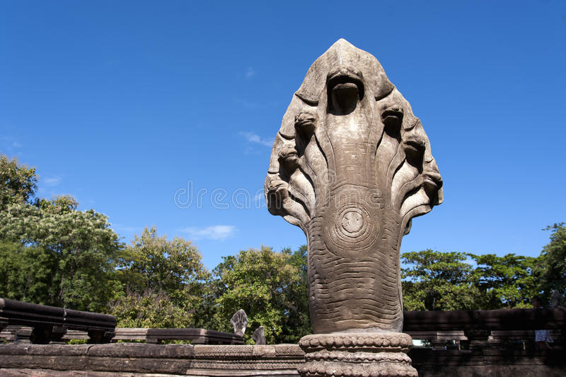 Статуи Naga на парке Prasat Hin Phimai историческом стоковое фото