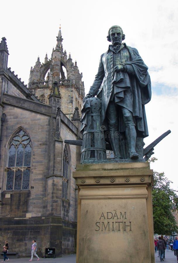Статуя Адам Smith стоковые фотографии rf