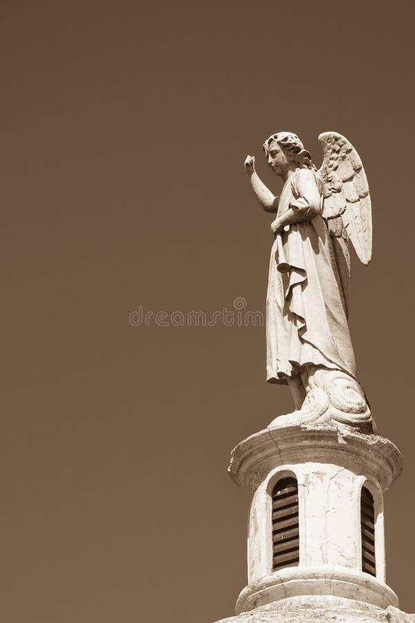 Статуя ангела в кладбище стоковое изображение rf