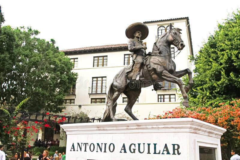 Статуя Антонио Aguilar стоковая фотография rf