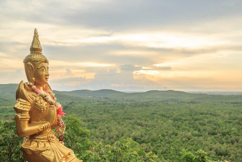 Статуя Анджела золота стоковые фотографии rf