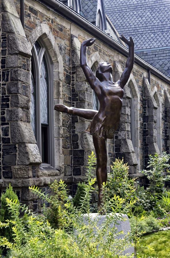 Статуя балерины стоковое изображение