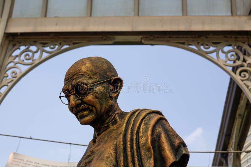 Статуя Бангалора, Индии - 24-ое января 2019 - Gandi на выставке цветов стоковое фото rf