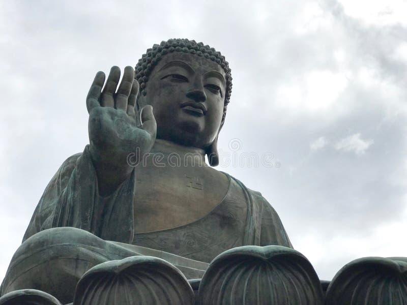 Статуя Будды бронзы Tian Tan стоковое изображение