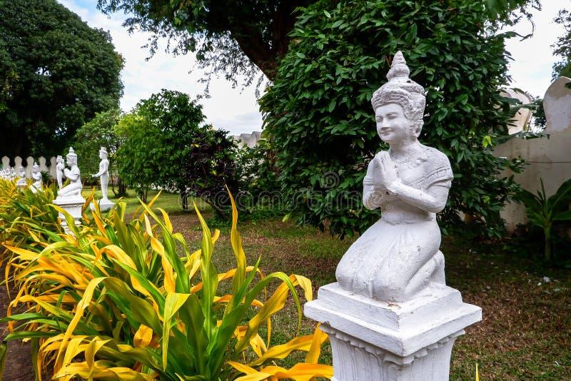 Статуя Будды в королевском дворце на Пномпень стоковые фотографии rf