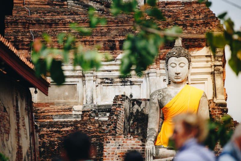 Статуя Будды на Wat Yai Chaimongkol в Ayutthaya, Таиланде стоковая фотография rf
