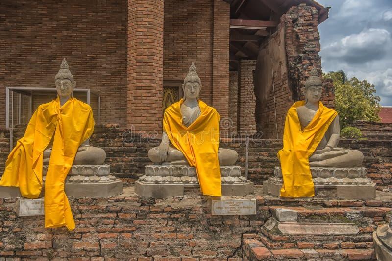 Статуя Будды на Wat Yai Chaimongkol, Ayutthaya, Таиланде стоковое изображение rf