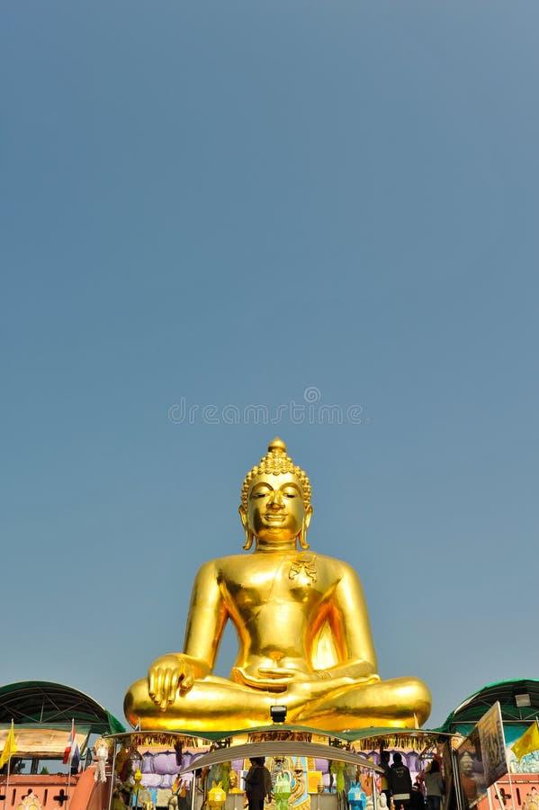 Статуя буддизма на золотом треугольнике, Chiangsan, Chiangmai, Thaila стоковая фотография rf