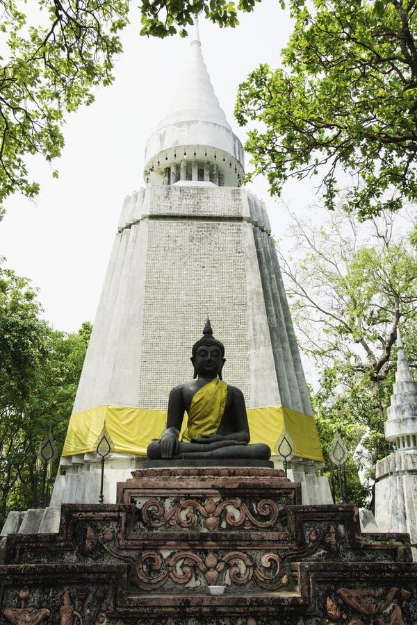 Статуя Будды в северной Таиланда и селективного f стоковые фотографии rf