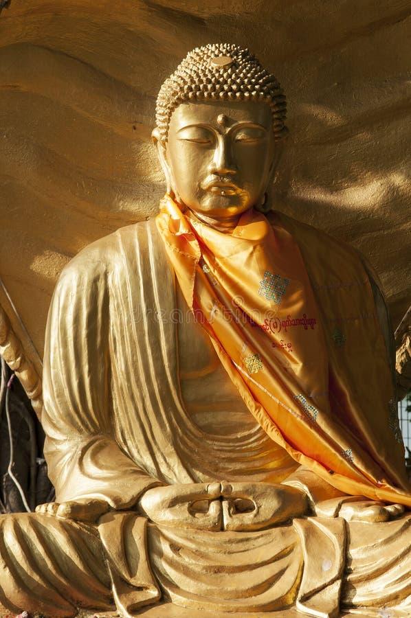 Статуя Будды в Янгоне Мьянме стоковая фотография