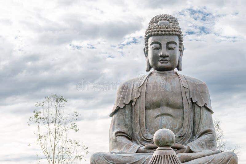 Статуя Будды используемая как талисман буддизма стоковая фотография