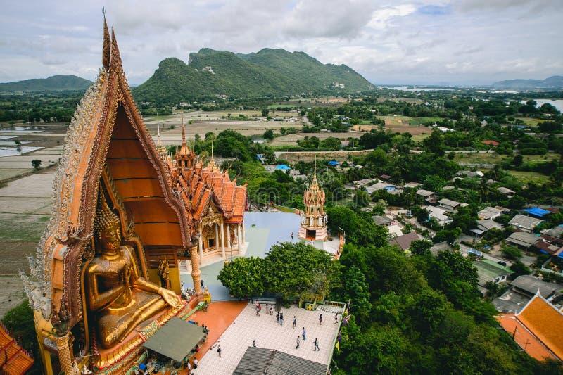 Статуя Будды Wat Tham Sua стоковая фотография rf