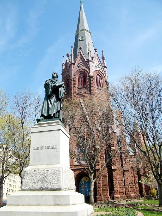 Статуя Вашингтона Мартина Luther & церковь 2010 стоковые фотографии rf