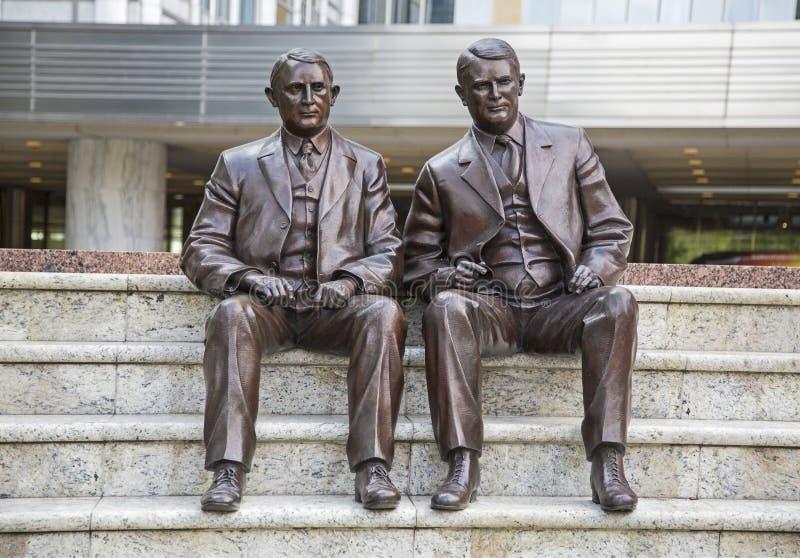 Статуя Вильгельма Карла братьев клиники Mayo стоковое изображение rf