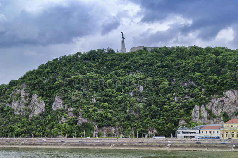 статуя вольности budapest стоковые фотографии rf