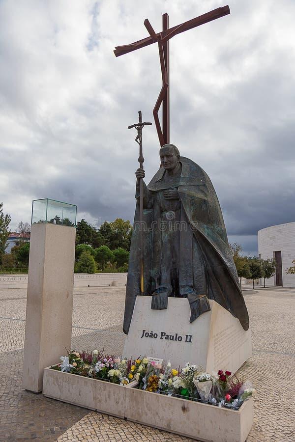 Статуя в памяти о Папе Иоанне Павле II в tima ¡ FÃ, Португалии стоковая фотография