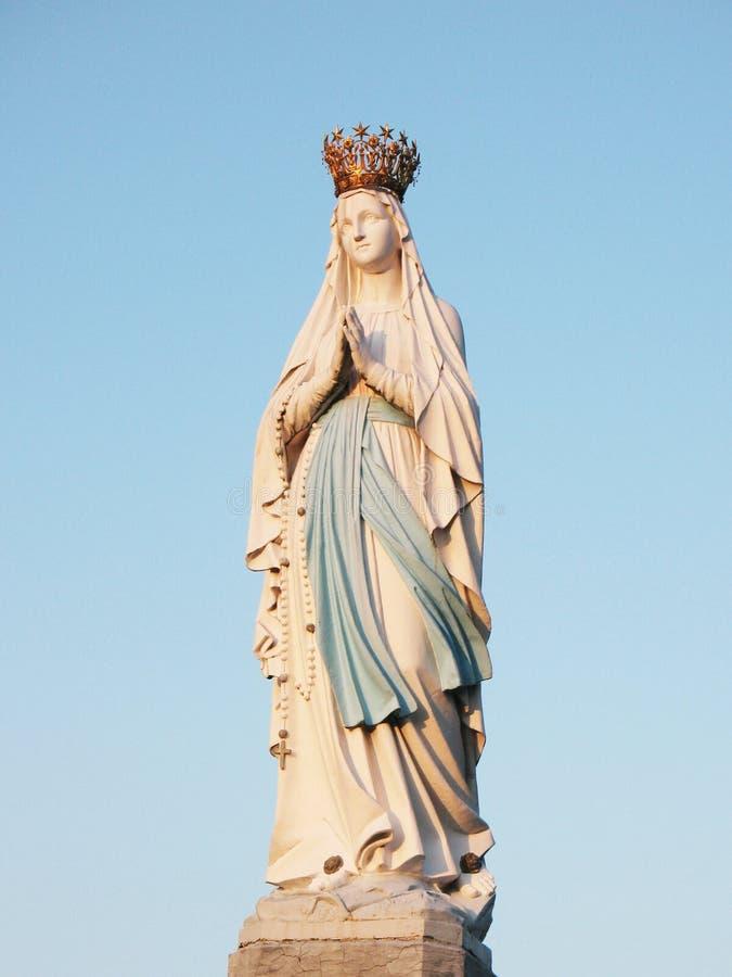 Статуя девственницы Mary стоковые изображения rf