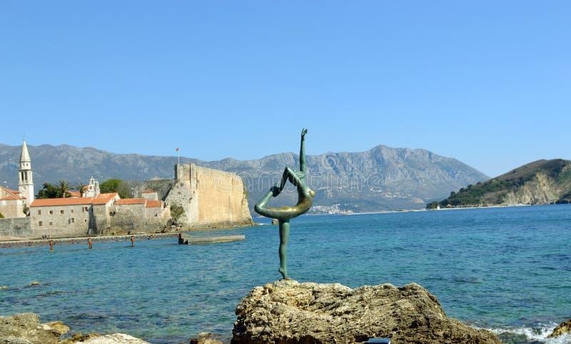 Статуя девушки танцев стоковые изображения rf