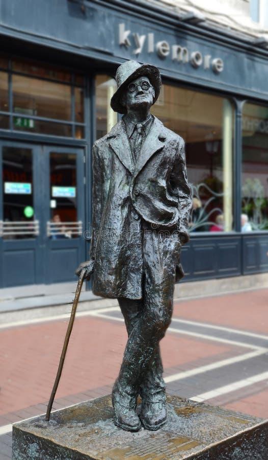 Статуя Джеймса Джойса в Dunlin, Ирландии стоковое изображение