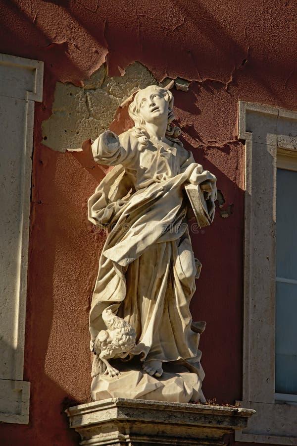 Статуя Джона апостол стоковые фото
