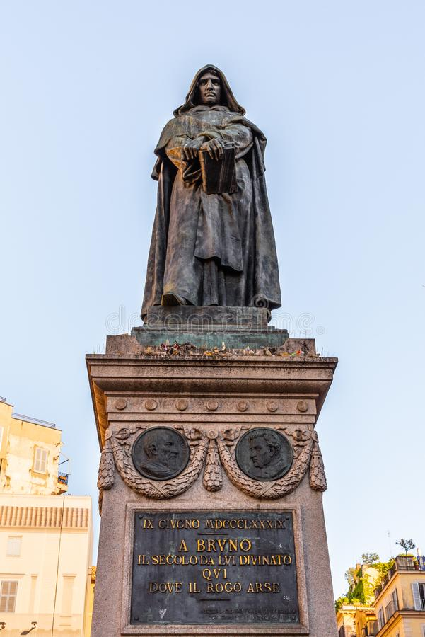 Статуя Джордано Bruno на Campo de Fiori, Риме, Италии стоковое фото