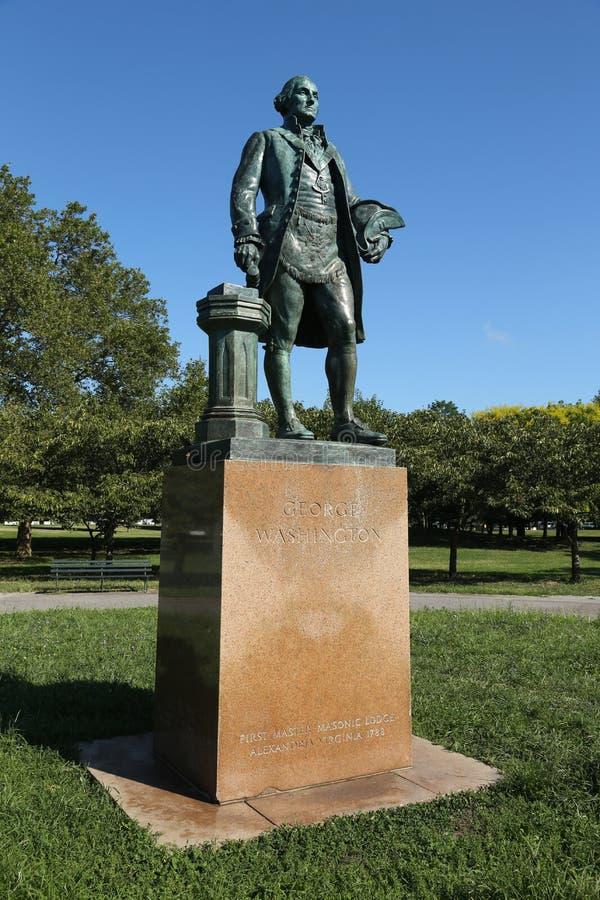 Статуя Джорджа Вашингтона как мастерский каменщик скульптором Дональдом De Lue в парке короны Flushing Meadows стоковое изображение rf