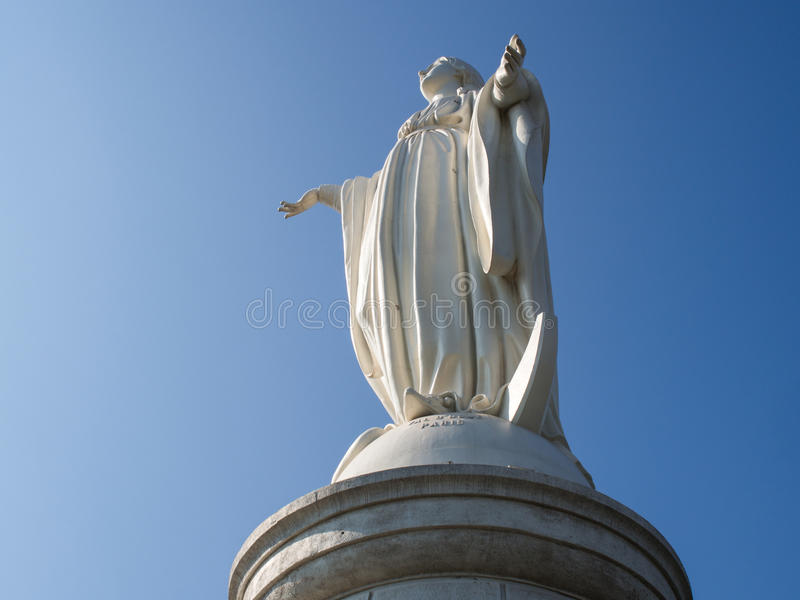 Статуя девой марии на Cerro San Cristobal, Сантьяго, Чили стоковая фотография rf